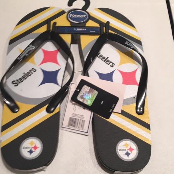 e7878d824e0f3 Pittsburgh Steelers flip flops size large Boutique